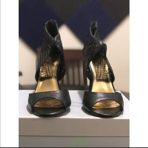 Jessica Simpson Black Jersee Pumps